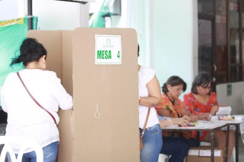 Jornada de votación para la Consulta Anticorrupción // fotografía de La Nación